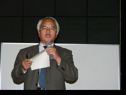 島村講師を紹介する佐々木教授