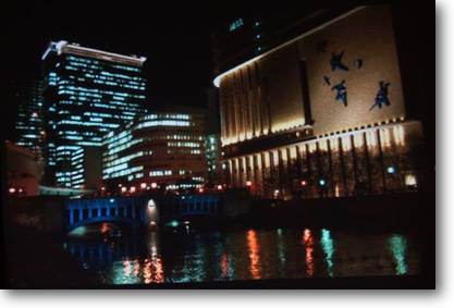 建て替え後のフェスティバルホールと朝日新聞本社ビル