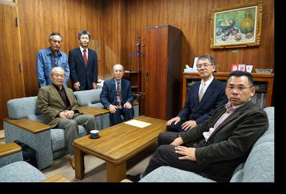 脇村研究科長、福原教授と懇談